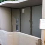 Installation of EPS walls and roofMontaggio delle pareti e cielo in EPS
