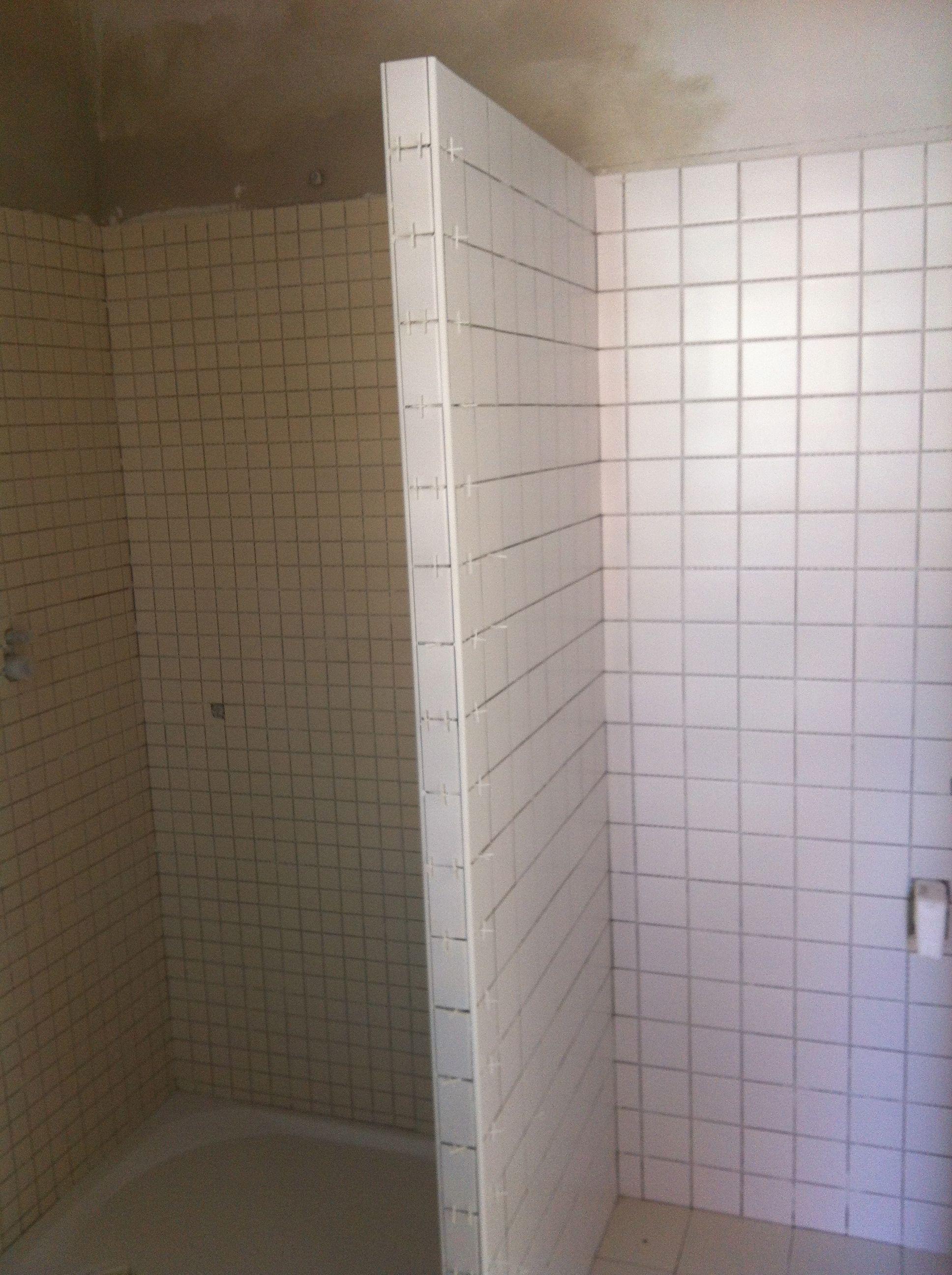 Posa di pannelli in polistirene espanso ed estruso meinardi - Piastrelle doccia ...