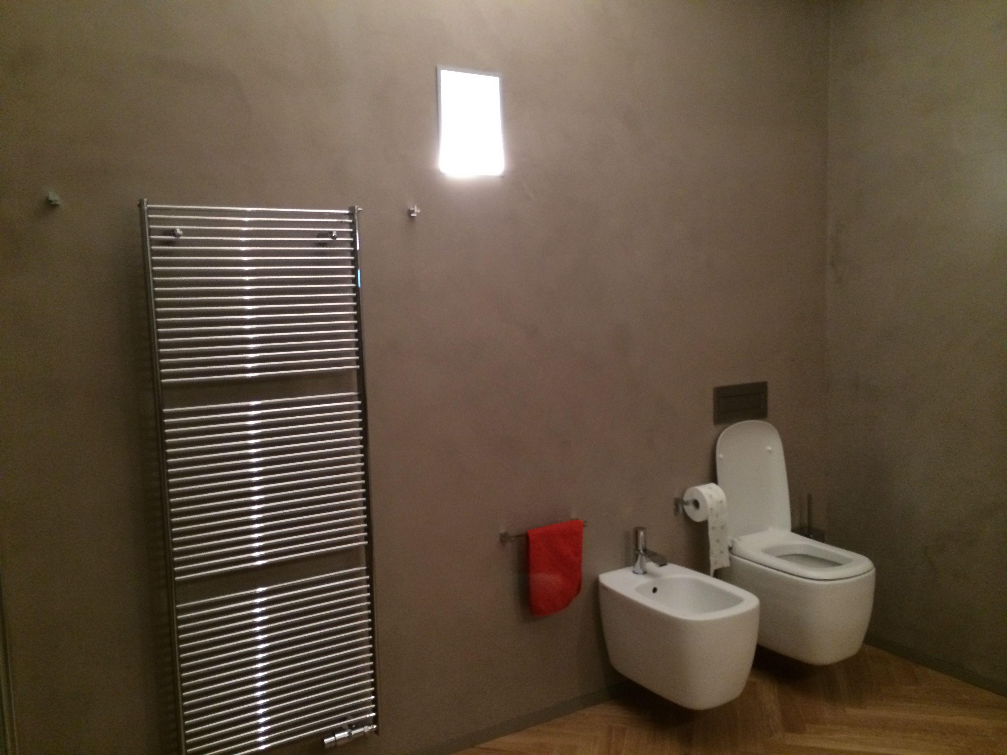 Smalti per bagno latest pitturare le piastrelle bagno e for Vernice per vasca da bagno