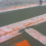 Proper sealing of the pavement edgeSigillatura corretta del bordo a marciapiede