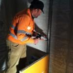 Fixing the steel structure and XPS panel Fissaggio della struttura in acciaio e pannello in XPS