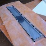 Kerdi-Line drain withpolyethylene feltwelded on steelKerdi-Line, scarico con feltro in polietilene saldato sull acciaio