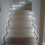 Steps with skirting boards flush with the wall and led lightScala con battiscopa filo muro e luce a led