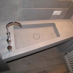 Top perspective about washbasin, wall, and floorProspettiva dall'alto del lavabo, parete, pavimento